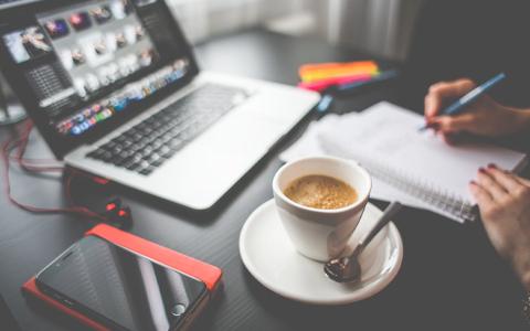 Cómo iniciar un negocio en línea sin inversiones