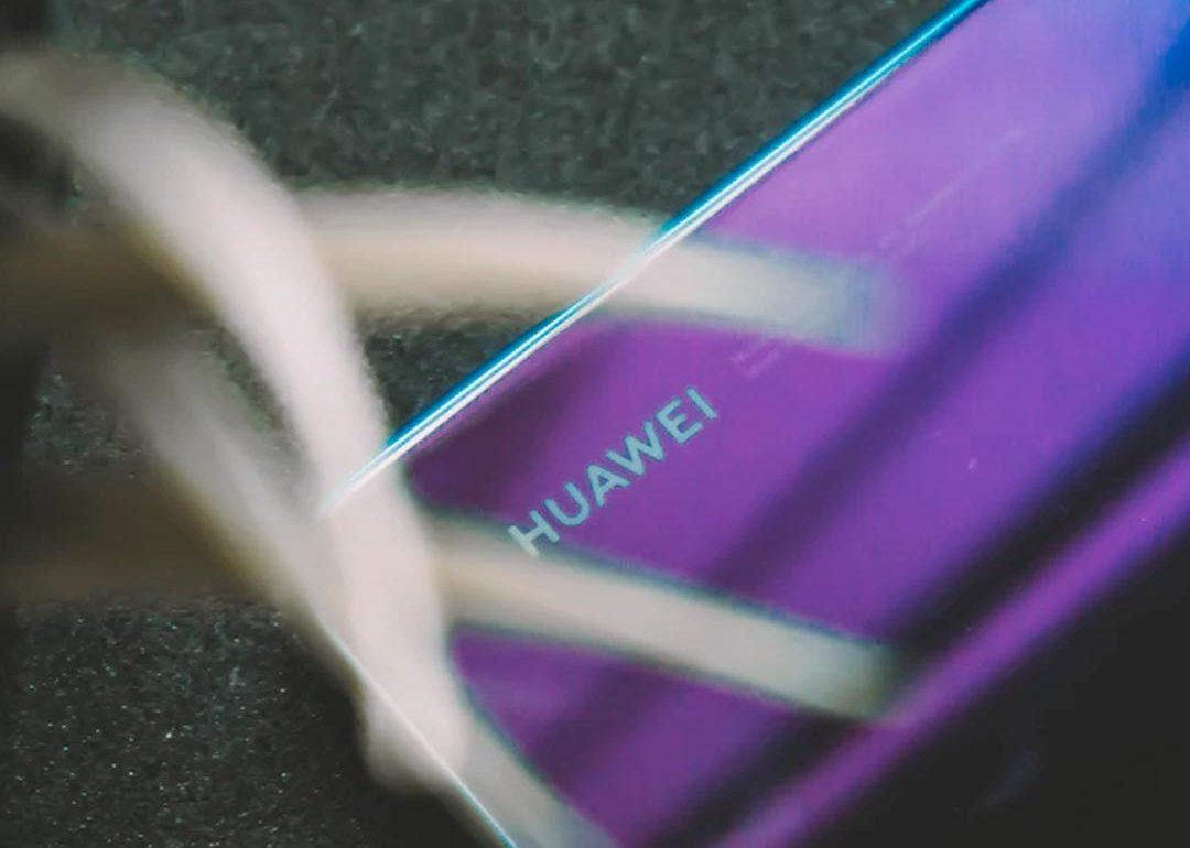 Huawei confirmó el Mate X2